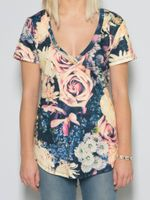 Vintage Flowers Women's V-Neck Tee