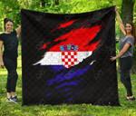 Croatia Special Grunge Style Premium Quilt