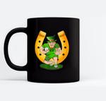 St Patricks day hat leprechaun shamrock Football - Rugby Black Mugs