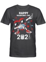 Dabbing Heart In A Mask 2021 Valentines Day Dab Boys Kids T-Shirt
