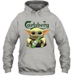 Baby Yoda Loves Carlsberg Beer The Mandalorian Fan Hoodie