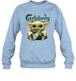 Baby Yoda Loves Carlsberg Beer The Mandalorian Fan Sweatshirt