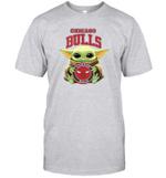 Baby Yoda Loves Chicago Bulls The Mandalorian Fan T-Shirt