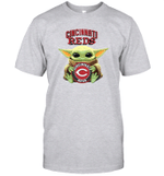 Baby Yoda Loves Cincinnati Reds The Mandalorian Fan T-Shirt
