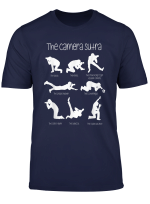 Das Kamera Sutra Lustige Fotografie Haltungen T Shirt