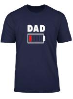 Dad Mit Leerem Akku T Shirt Geschenk Fur Vater Shirt Lustig