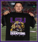 LSU 4 National Champion Tigers Tiger Athlete Holding a Rugby Ball Men And Women T Shirt S-5Xl