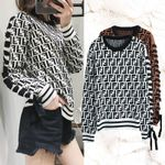 double F letter round neck sweater