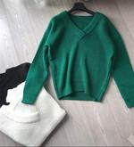 Loosely Designed V-neck Whorl Lantern Sleeve Knit Sweater