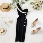 V-neck single shoulder buttons knitted dress
