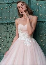 Sexy Sweetheart Appliques Lace Waist Wedding Dresses