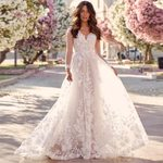 Long Sleeves Elegant Bridal Open Back A Line Lace Wedding Dresses