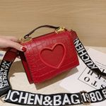 Shoulder Fashion Trend PU Leather heart Buckle Handbag