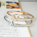 V  Bijoux Screw Bracelet  Jewelry Cuff Bangles