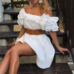 High fashion ruffle sleeve  Elegant pleated white   dress