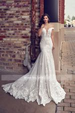 Elegance Off Shoulder V Neckline Trumpet Wedding Dress