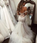 Off Shoulde  Tulle   Sexy Open Back Vintage Lace Wedding Dress