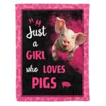 GIRL LOVES PIG DTC0712417 Fleece Blanket