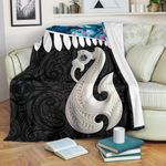 Aotearoa Premium Blanket Maori Manaia Paua Shell A025