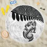 Aotearoa Beach Blanket Maori Manaia Silver Fern White