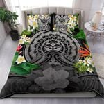Polynesian Face Bedding Set Plumeria Duvet Cover and Turtle Pillow Cases (Gray) TH5