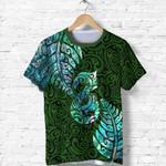 Aotearoa Maori T Shirt Silver Fern Manaia Vibes - Green K36