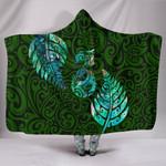 Aotearoa Maori Hooded Blanket Silver Fern Manaia Vibes - Green