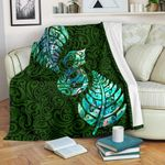 Aotearoa Maori Premium Blanket Silver Fern Manaia Vibes - Green