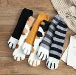 Winter Cat Claws Socks - LimeTrifle