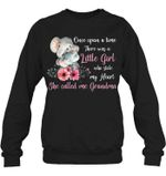 Meaningful Gift For Family Elephant She Called Me Grandma Sweatshirt