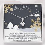 Merry Christmas Thanks For Never Giving Up On Me Alluring Beauty Necklace Gift For Mom