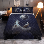 Viking Gear : Fenrir-Wolf trying to swallow the moon - Viking Quilt Bedding Set