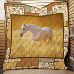 Horse J2104 83O32 Blanket