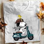 Snoopy Drive Vespa Philadelphia Eagles t shirt hoodie sweater