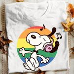 Snoopy listening to music retro t shirt hoodie sweater