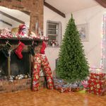 Christmas Holiday Decor 6Ft 1050 Tips Artificial Christmas Tree W/ Metal Stand