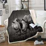 Rhino Couple CLA21100653F Sherpa Fleece Blanket