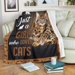 Just A Girl Who Love Cats CLM02121130S Sherpa Fleece Blanket