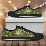 Weed leaf camo pattern Low Top Canvas Shoes