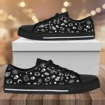 Witch icon pattern Low Top Canvas Shoes