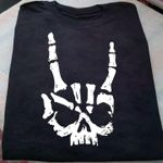 Rock skull fingers funny for lovers shirt