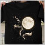Cats look at the moon tshirt