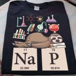 Na 11 22.990 P 15 30.974 science chemical table sloth t-shirt