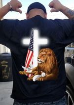 Lion and lamb cross america flag t-shirt