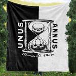Unus Annus Memento Mori Skull And Hourglass Fleece Blanket
