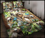 Happy sloth family quilt bed set