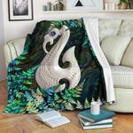 Aotearoa Premium Blanket Manaia Silver Fern Paua Shell TH45