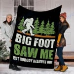 Custom Blanket Bigfoot Bigfoot Saw Me Blanket - Fleece Blanket