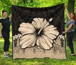 Polynesian Premium Quilt Hibiscus Gold| Love The World