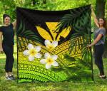 Kanaka Maoli (Hawaiian) Premium Quilt, Polynesian Plumeria Banana Leaves Yellow   Love The World